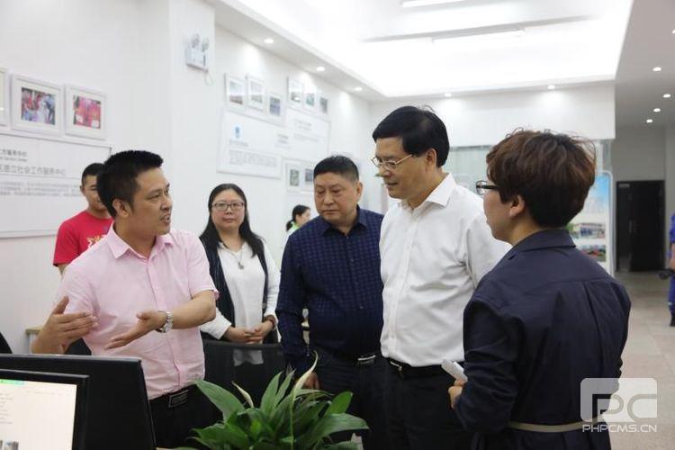 每年服务20万重庆考生   市委常委莫恭明视察调研优考志愿